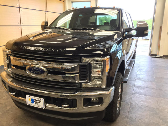2017 F-350 Crew Cab 4x4 Pickup #173162 - photo 3