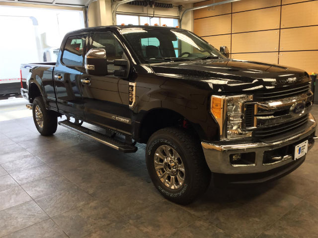 2017 F-350 Crew Cab 4x4 Pickup #173162 - photo 4