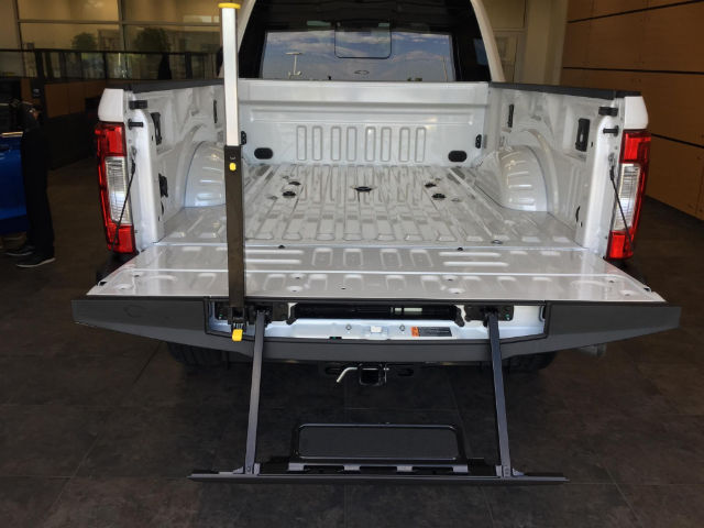 2017 F-250 Crew Cab 4x4 Pickup #173205 - photo 9