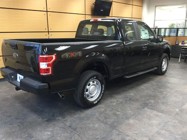 2018 F-150 Super Cab 4x4, Pickup #181375 - photo 2