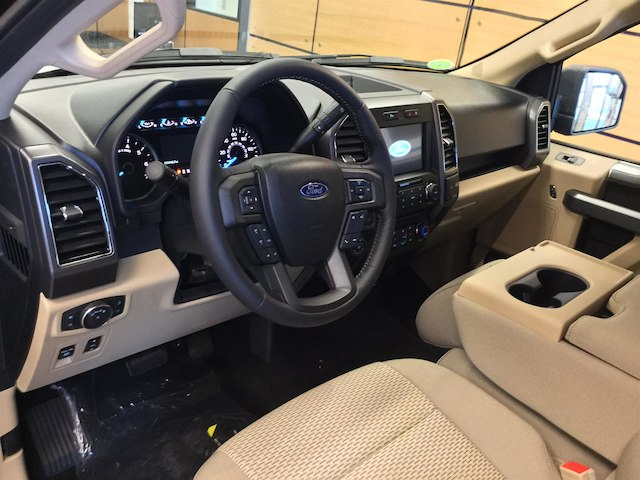 2018 F-150 Super Cab 4x4, Pickup #181601 - photo 11