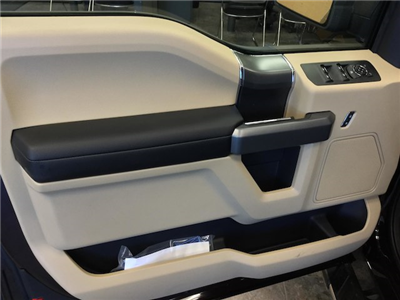 2018 F-150 Super Cab 4x4, Pickup #181601 - photo 10