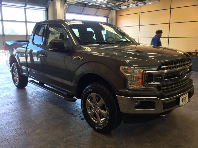 2018 F-150 Super Cab 4x4, Pickup #182054 - photo 4