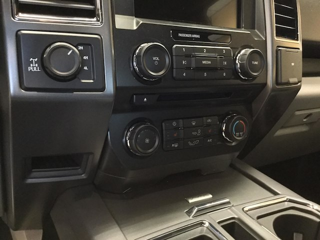 2018 F-150 Super Cab 4x4, Pickup #182086 - photo 19