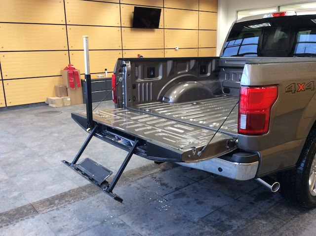 2018 F-150 SuperCrew Cab 4x4,  Pickup #182816 - photo 8