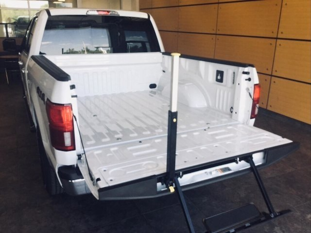 2018 F-150 SuperCrew Cab 4x4,  Pickup #182866 - photo 11