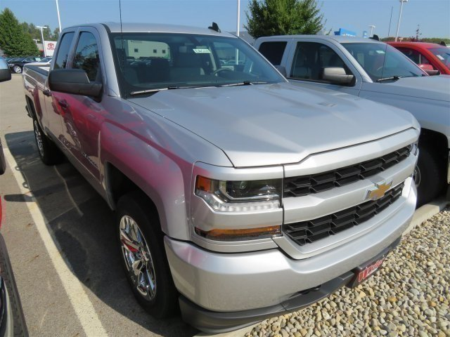 2018 Silverado 1500 Extended Cab 4x4 Pickup #D63221 - photo 8