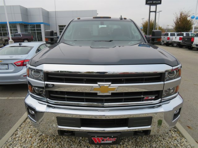 2018 Silverado 2500 Double Cab 4x4, Pickup #D90210 - photo 3