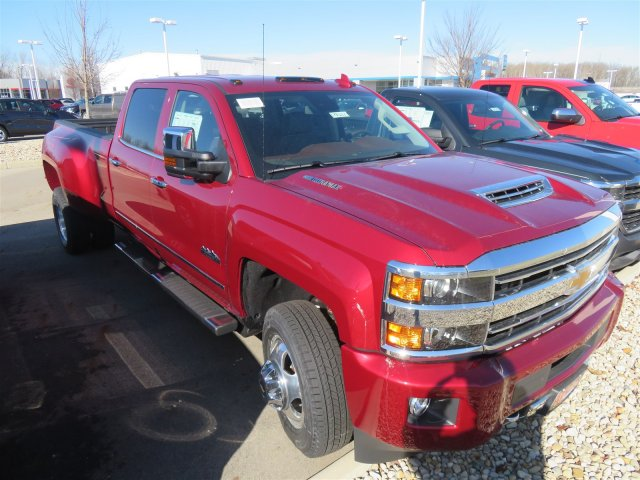 2018 Silverado 3500 Crew Cab 4x4, Pickup #D90217 - photo 4