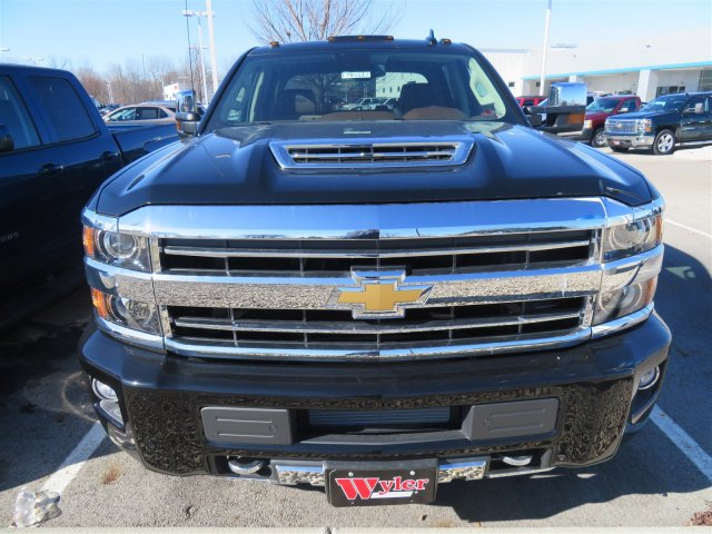 2018 Silverado 3500 Crew Cab 4x4,  Pickup #D90222 - photo 3
