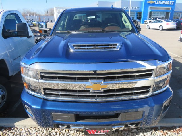 2018 Silverado 2500 Crew Cab 4x4,  Pickup #D90228 - photo 3