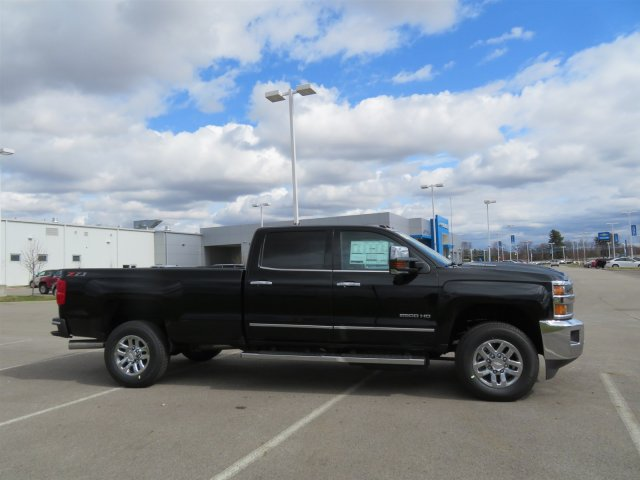 2018 Silverado 2500 Crew Cab 4x4,  Pickup #D90240 - photo 4