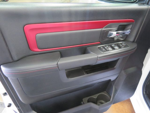 2016 Ram 1500 Crew Cab 4x4, Pickup #DT6467 - photo 10