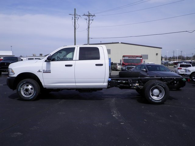 2017 Ram 3500 Crew Cab DRW 4x4, Cab Chassis #A29255 - photo 8