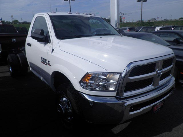 2016 Ram 3500 Regular Cab DRW 4x4, Cab Chassis #A29372 - photo 4
