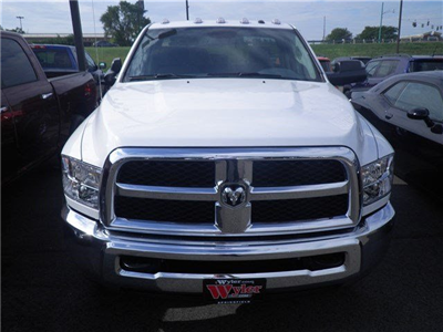 2016 Ram 3500 Regular Cab DRW 4x4 Cab Chassis #A29372 - photo 3