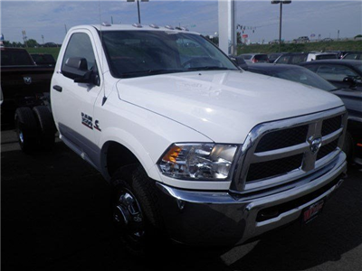 2016 Ram 3500 Regular Cab DRW 4x4 Cab Chassis #A29372 - photo 4