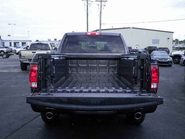 2018 Ram 1500 Crew Cab 4x4 Pickup #A29842 - photo 23
