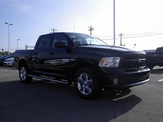 2018 Ram 1500 Crew Cab 4x4 Pickup #A29850 - photo 4