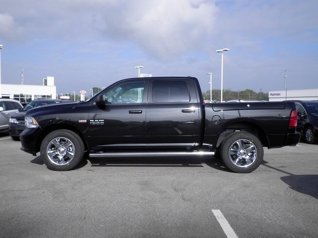 2018 Ram 1500 Crew Cab 4x4 Pickup #A29850 - photo 8