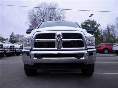 2018 Ram 3500 Crew Cab 4x4, Cab Chassis #A29919 - photo 3