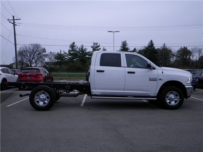 2018 Ram 3500 Crew Cab 4x4, Cab Chassis #A29919 - photo 5