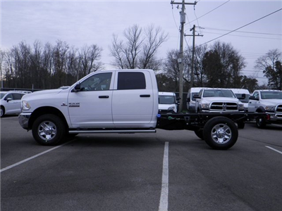 2018 Ram 3500 Crew Cab 4x4, Cab Chassis #A29919 - photo 8