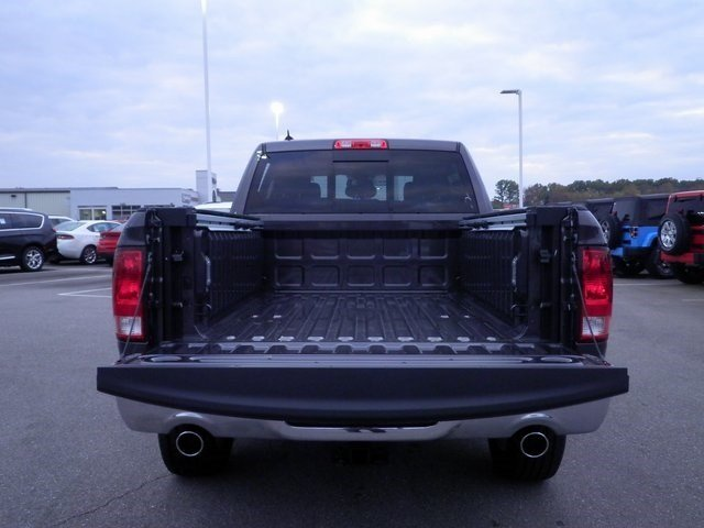 2018 Ram 1500 Crew Cab 4x4 Pickup #A29927 - photo 27