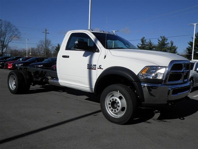 2017 Ram 5500 Regular Cab DRW 4x4, Cab Chassis #A910130 - photo 4