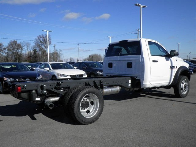 2017 Ram 5500 Regular Cab DRW 4x4, Cab Chassis #A910130 - photo 6