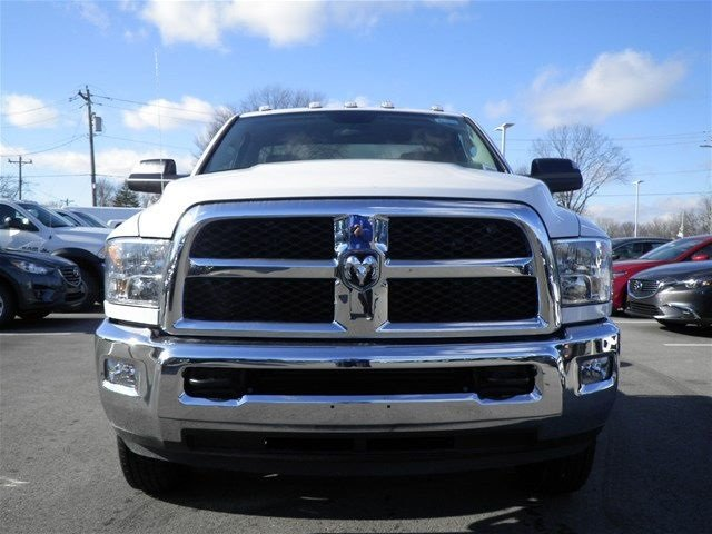 2017 Ram 3500 Regular Cab DRW 4x4, Cab Chassis #A910131 - photo 3
