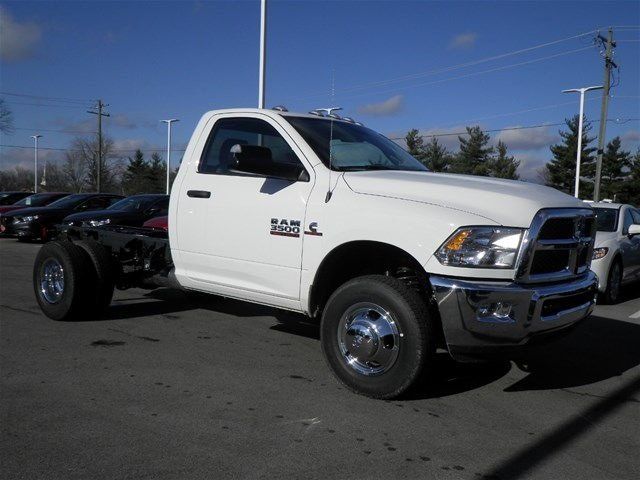 2017 Ram 3500 Regular Cab DRW 4x4, Cab Chassis #A910131 - photo 4