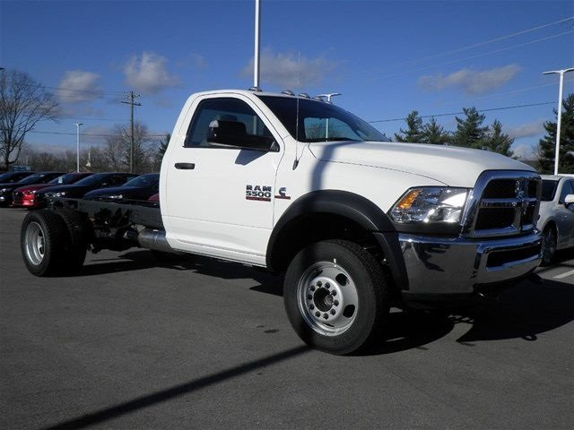 2017 Ram 5500 Regular Cab DRW 4x4, Cab Chassis #A910138 - photo 4