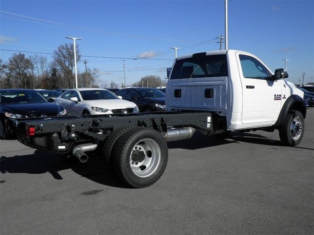 2017 Ram 5500 Regular Cab DRW 4x4, Cab Chassis #A910138 - photo 6