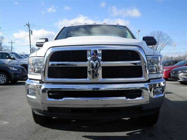 2017 Ram 3500 Regular Cab DRW 4x4, Cab Chassis #A910142 - photo 3