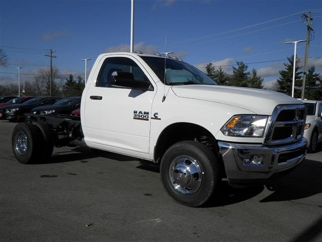 2017 Ram 3500 Regular Cab DRW 4x4, Cab Chassis #A910142 - photo 4