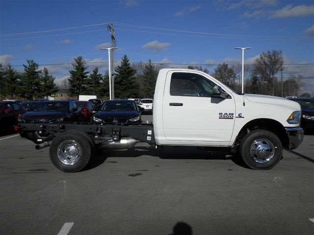 2017 Ram 3500 Regular Cab DRW 4x4, Cab Chassis #A910142 - photo 5