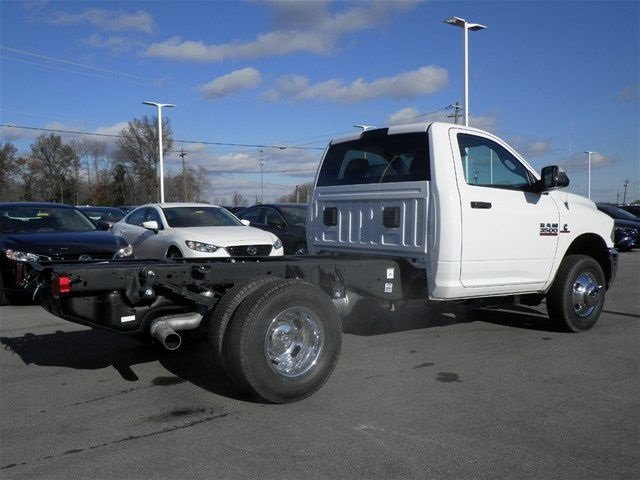2017 Ram 3500 Regular Cab DRW 4x4, Cab Chassis #A910142 - photo 6