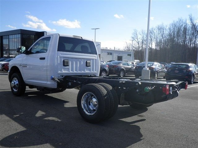 2017 Ram 3500 Regular Cab DRW 4x4, Cab Chassis #A910142 - photo 2
