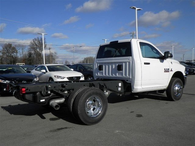 2017 Ram 3500 Regular Cab DRW 4x4, Cab Chassis #A910145 - photo 6