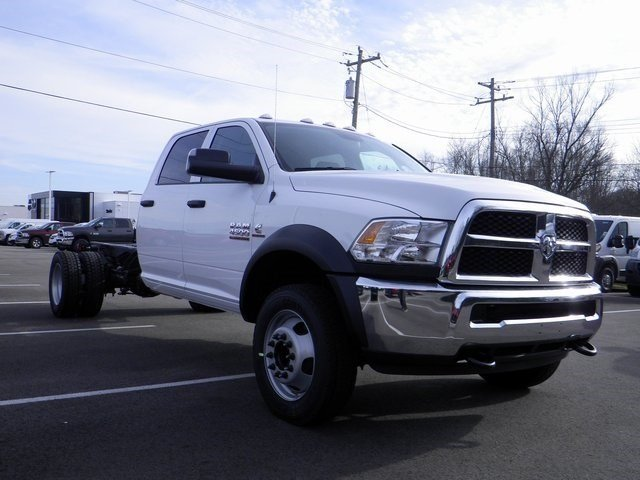 2018 Ram 4500 Crew Cab DRW 4x4, Cab Chassis #A910194 - photo 4