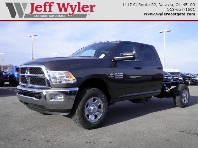 2018 Ram 3500 Crew Cab 4x4 Cab Chassis #A910216 - photo 1