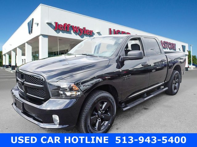 2017 Ram 1500 Crew Cab 4x4, Pickup #AT0870 - photo 1