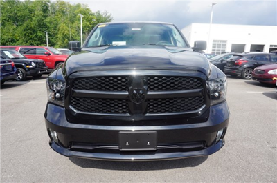 2017 Ram 1500 Crew Cab 4x4, Pickup #AT0870 - photo 6
