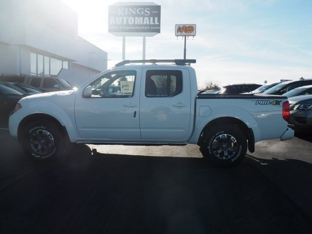 2017 Frontier Crew Cab Pickup #A662893 - photo 3