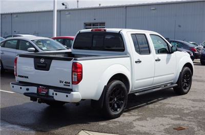2018 Frontier Crew Cab, Pickup #A663625 - photo 5