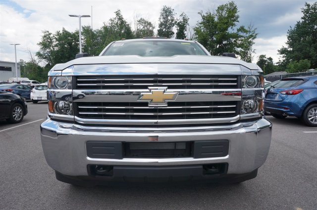 2017 Silverado 3500 Regular Cab 4x4, Cab Chassis #A342240 - photo 9