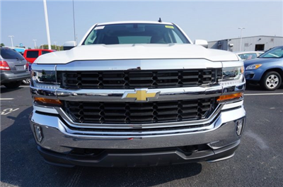 2018 Silverado 1500 Crew Cab 4x4, Pickup #A343079 - photo 8