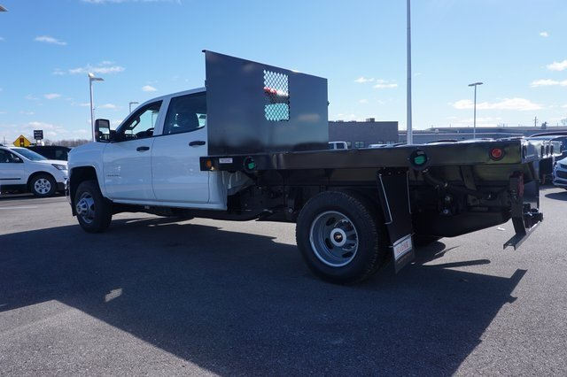 2016 Silverado 3500 Crew Cab 4x4, Reading Platform Body #A900110 - photo 2