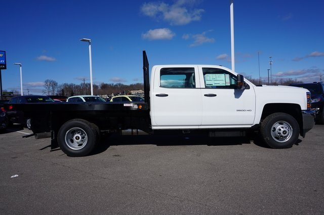 2016 Silverado 3500 Crew Cab 4x4, Reading Platform Body #A900110 - photo 6